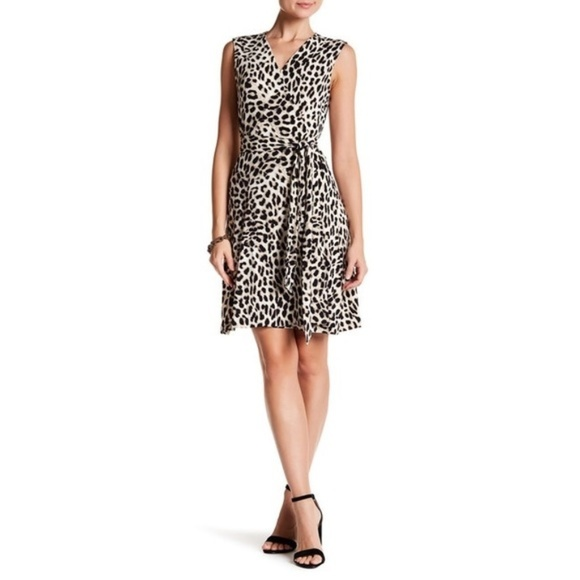 7c732f9dfa314 NWT Vince Camuto Stretch Leopard Print Wrap Dress NWT